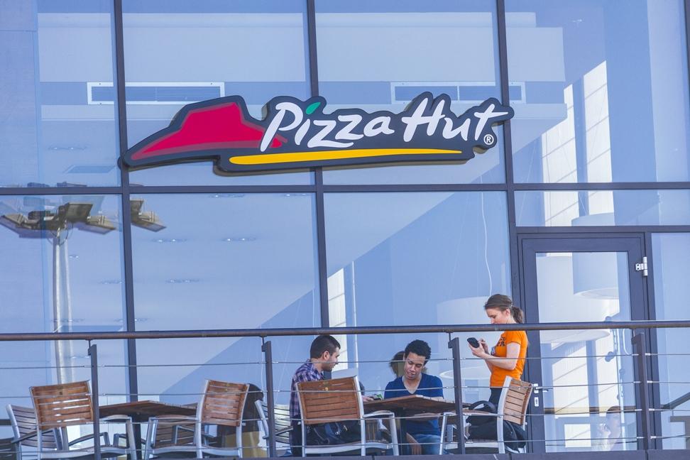 Reteaua pizza hut ajunge la 20 de restaurante in romania - Restaurante pizza hut ...