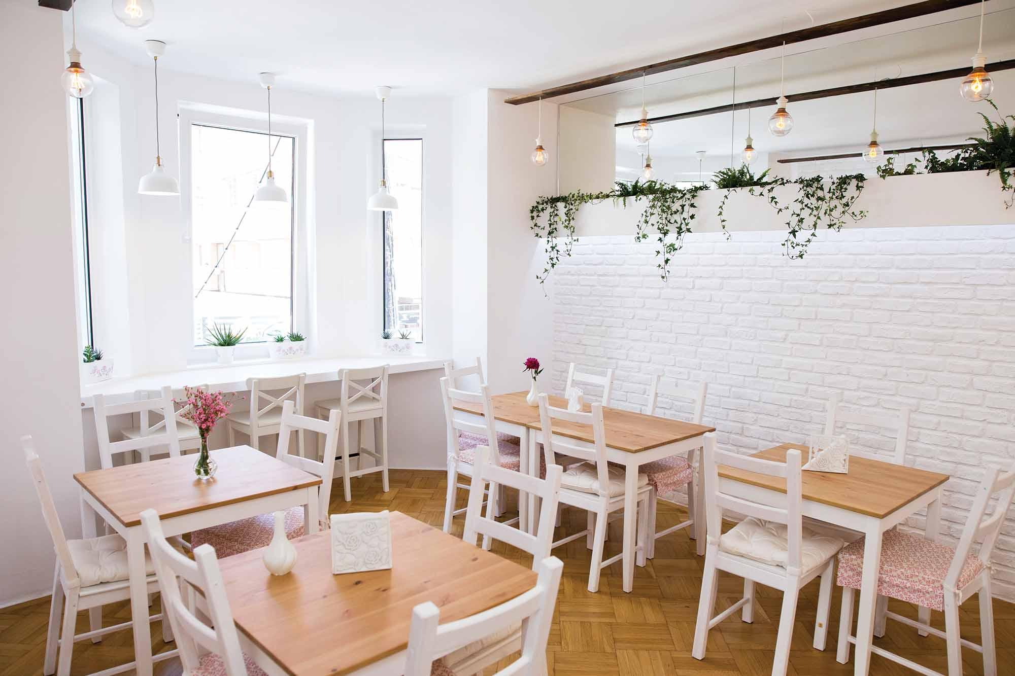 maison de crepes primul restaurant de clatite din capitala. Black Bedroom Furniture Sets. Home Design Ideas